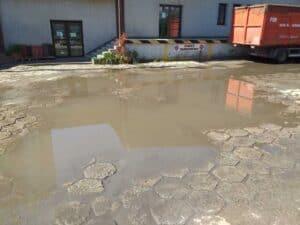 ZDM Lublin woda pod jedną z firm